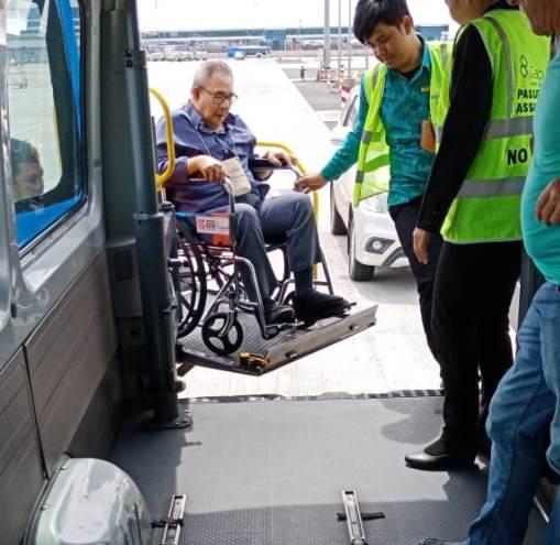 Ambulift Service am Jakarta Flughafen