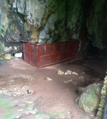 Leang Leang cave with ancient wall painting