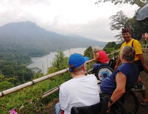 Twin Lakes. Bali Tagesausflüge mit Rollstuhl