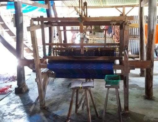 Webstuhl in Sengkang