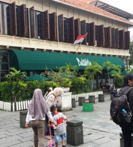 Cafe Batavia. Travel with a wheelchair in Jakarta