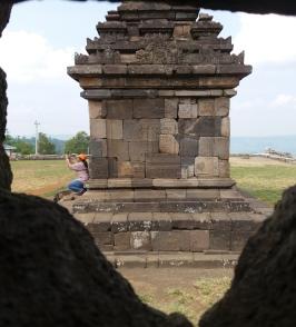 Candi Ijo. Rollstuhlreisen in Yogyakarta
