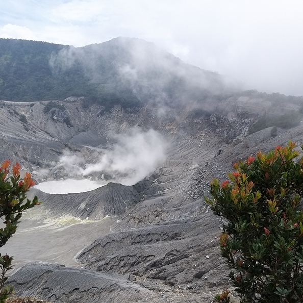 Besuch am Tangkuban Perahu Vulkan in West Java